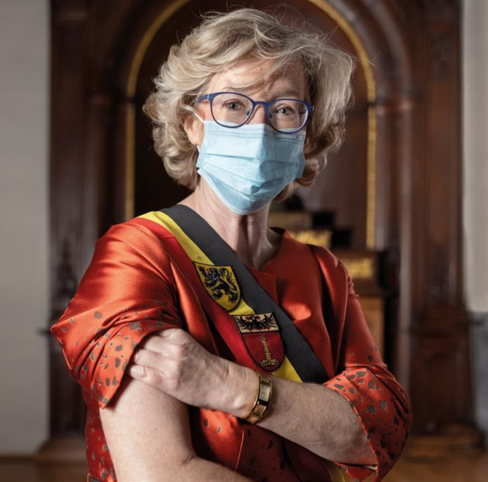 Burgemeester Veerle Heeren (CD&V) kwam afgelopen week onder vuur te liggen, nu bekend raakte dat zij al in maart dit jaar haar vaccin kreeg.
