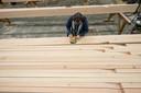 De houtcrisis slaat internationaal toe.
