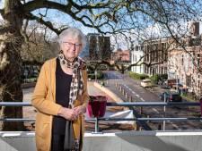 Bep woont al 80 jaar in de 'mooiste straat van Amersfoort': 'Ik blijf hier tot het einde'