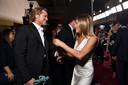 Het internet werd gek toen Brad en Jennifer elkaar tegenkwamen op de rode loper.