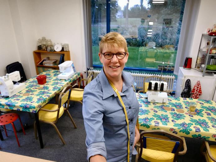 Twaalf jaar lang runde Linda een naaicafé in Berlijn. Nu is ze terug in Dordrecht.