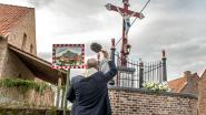 Gezandstraald, kogelgaten gedicht en sokkel heropgebouwd: Kruisbeeld uit 1898 op Stadenberg in ere hersteld