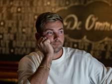 Urker barman Albert Snoek (37) voelt zich als vis in water op televisie: 'Was ook in race voor Expeditie Robinson'