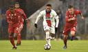 Neymar aan de bal, Bayern in achtervolging.