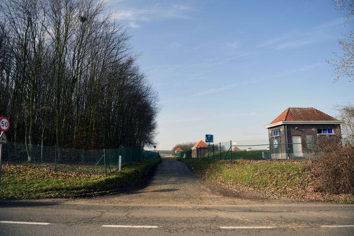 Op deze locatie (rechts op de foto) wil De Watergroep een waterproductiecentrum bouwen.