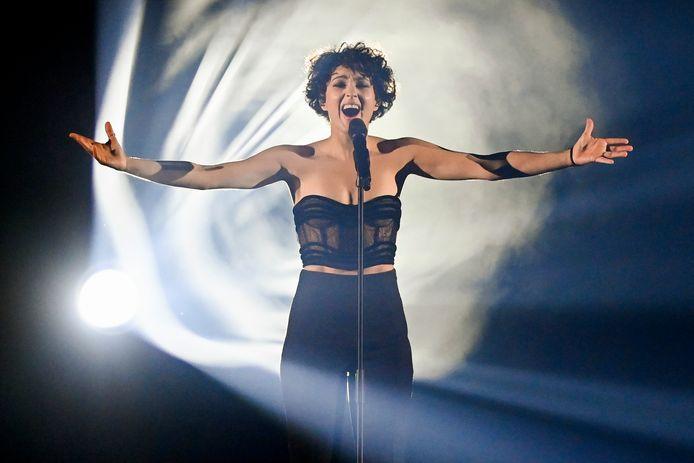 Barbara Pravi tijdens het Songfestival in Rotterdam