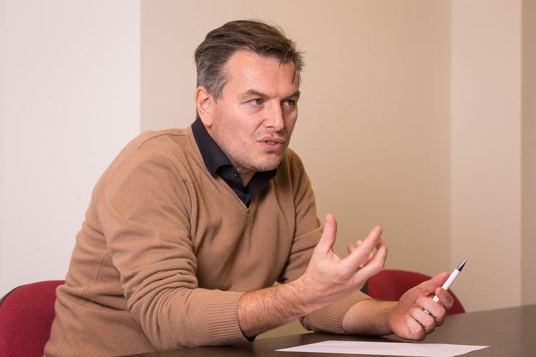 Professor Koen Paemeleire: 'Je kunt leren omgaan met migraine, maar je kunt niet genezen: je genen zijn wat ze zijn.' Beeld James Arthur