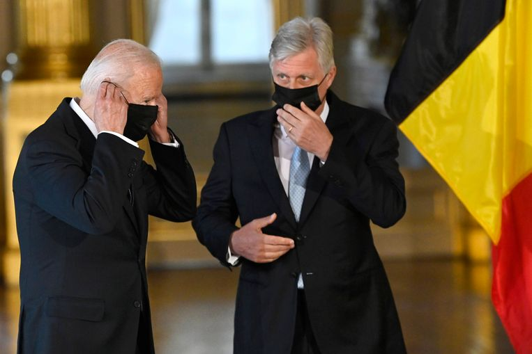 VS-president Joe Biden en koning Filip.  Beeld Photo News