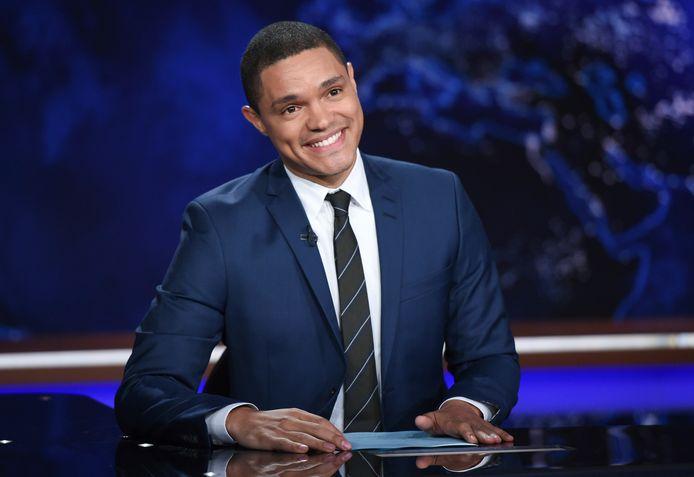 Archiefbeeld. Trevor Noah tijdens opnames van The Daily Show.