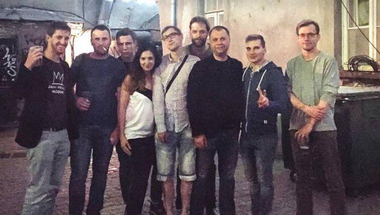 Olaf Koens (vierde van rechts) op de foto met Aleksander Borodaj (derde van rechts). Beeld Max Avdeev