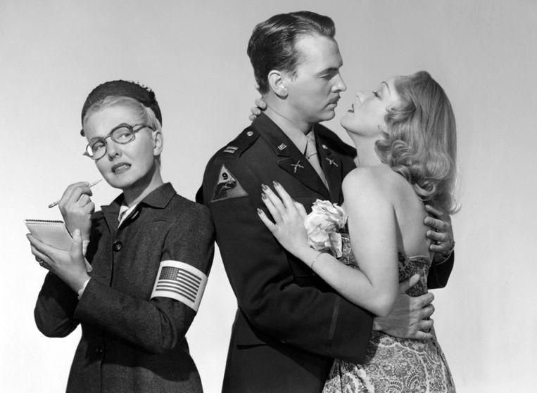 Jean Arthur, John Lund en Marlene Dietrich in 'A Foreign Affair' (1948). Beeld