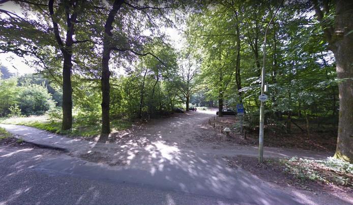 De Scheidingslaan, een zijweg van de Geertjesweg, waar de jongen mee naar toegenomen werd.