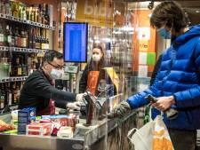Des clients verbalisés à la caisse d'un supermarché quelques minutes après le couvre-feu