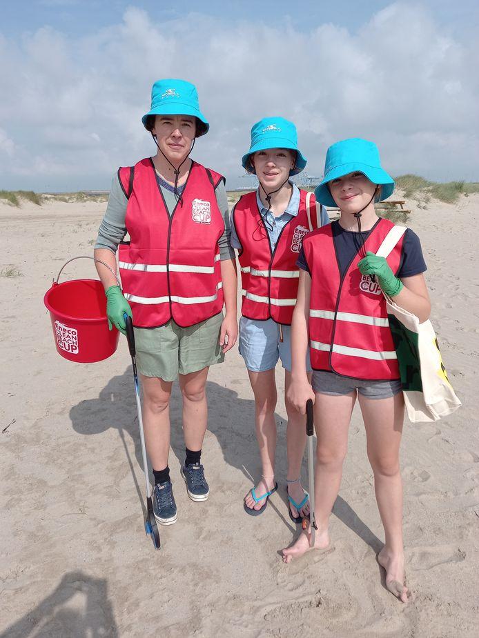 Astrid Vanden Brande uit Destelbergen met haar dochter Britt en Bo.