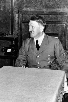 Une vente aux enchères d'effets personnels d'Adolf Hitler suscite l'indignation