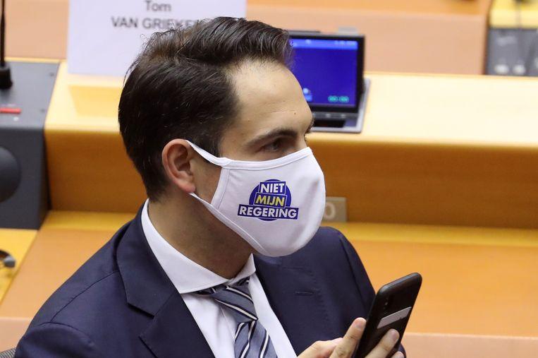 'Tom Van Grieken toont aan hoe ook het VB steeds meer deel gaat uitmaken van een multinationaal radicaal-rechts conglomeraat', schrijft Eeckhout.  Beeld REUTERS