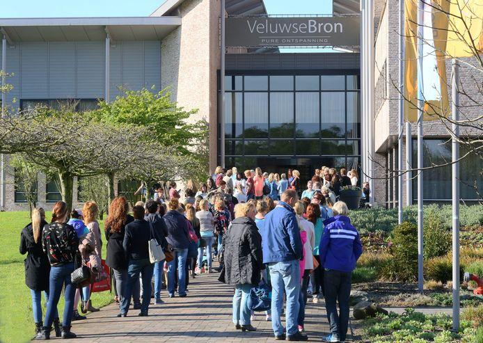 De entree van wellnessresort De Veluwse Bron in Emst.