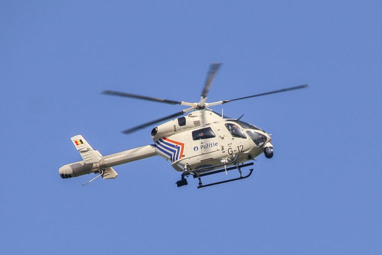 De politie kreeg hulp van een helikopter van de federale politie.
