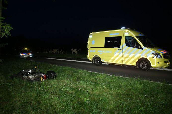 Maandagavond is een motorrijder gewond geraakt in Losser