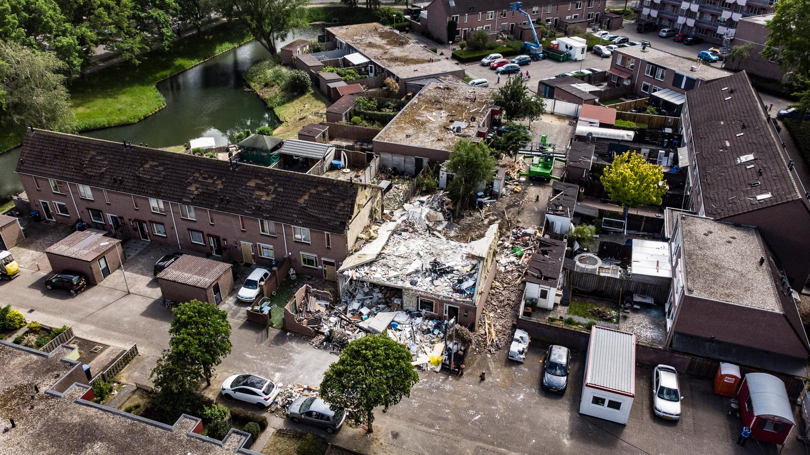 De ravage na de gasexplosie op 13 mei 2020 in de wijk Hillekensacker, stadsdeel Lindenholt, in Nijmegen.