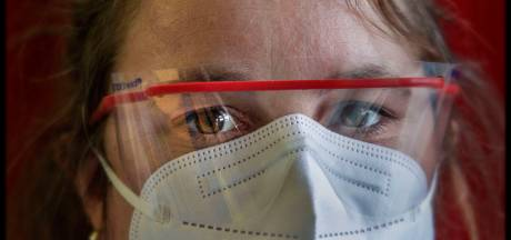 Mensen als Thijs, Ahmed en Anneke verzorgen al een jaar lang coronapatiënten op de intensive care van het Cathrien
