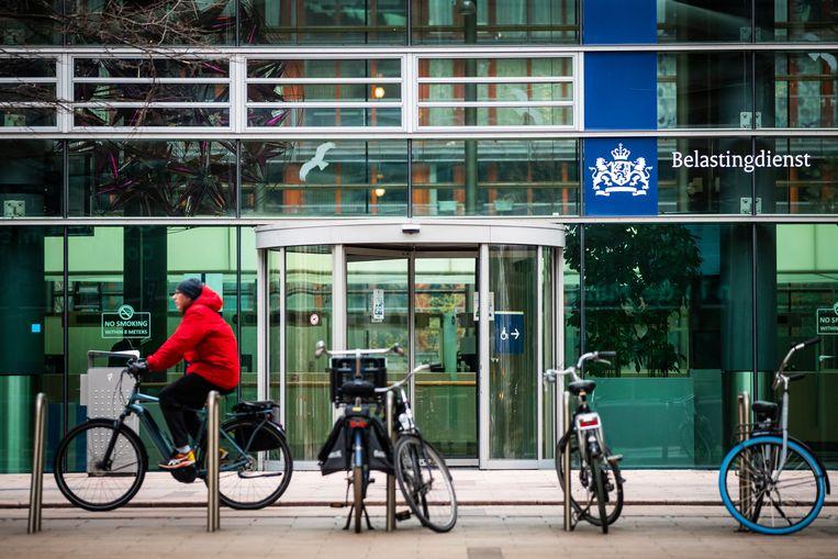 Het kantoor van de Belastingdienst in Den Haag. De website van de dienst kampt op de eerste ochtend waarop aangifte doen mogelijk is, direct met een storing. Beeld Laurens van Putten / Hollandse Hoogte