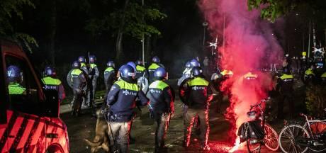 Vijf verdachten van rellen De Graafschap zitten nog vast; politie vraagt om camerabeelden