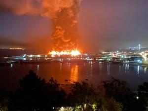 Violent incendie dans le port de San Francisco