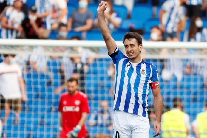 Mikel Oyarzabal (24) is een van de zelfopgeleide spelers van Real Sociedad, hij rondde tijdens zijn doorbraak in San Sebastian nog een universitaire studie af.