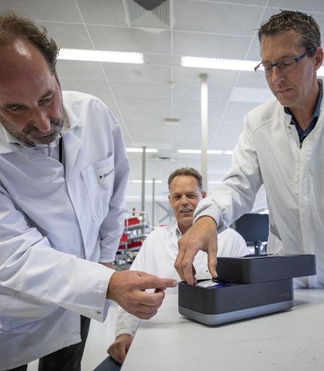 Mega-order voor Almeloos bedrijf: 50 miljoen voor 'coronalab in een schoenendoos'