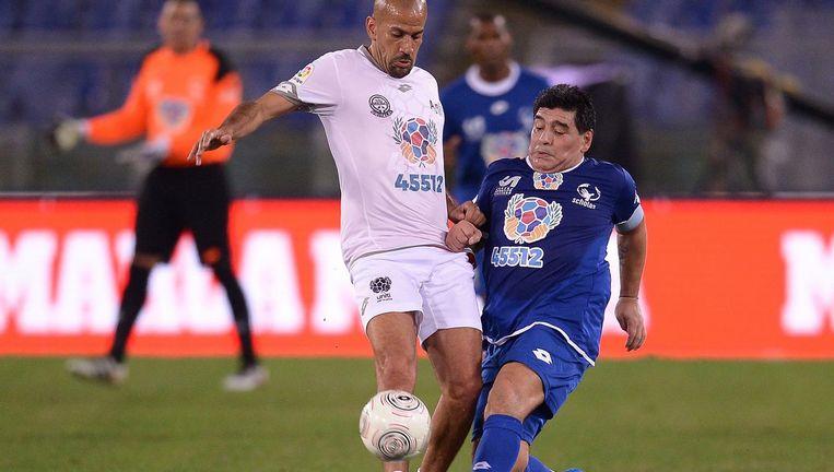 Véron in duel met Diego Maradona.maradona Beeld afp