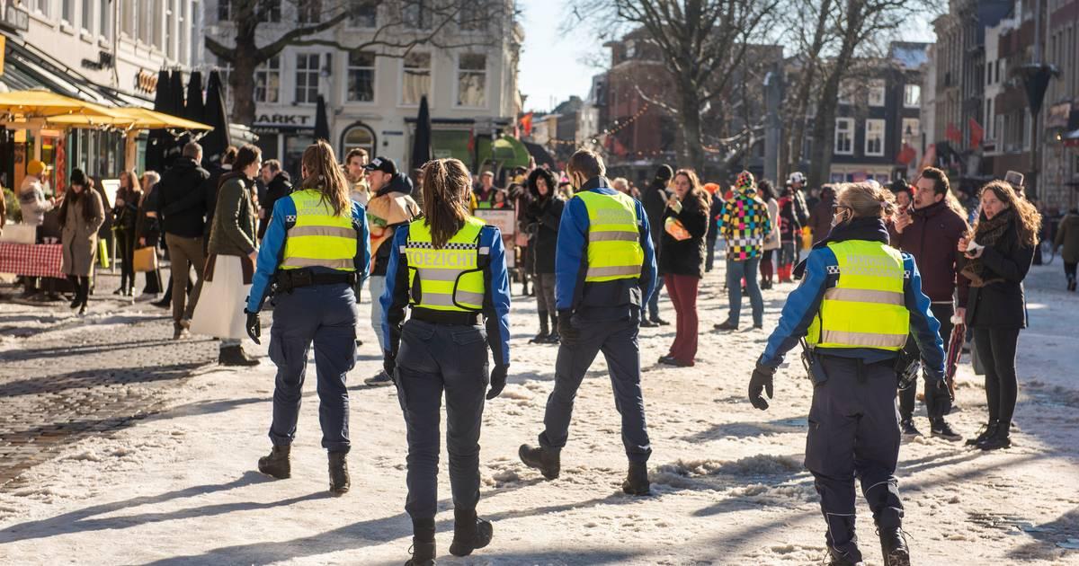 Nieuwsoverzicht | Brabant geniet van glibberen en glijden op het ijs - Carnavalsvierders in diverse binnensteden - BN DeStem