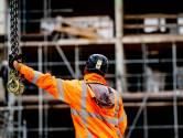 Als er een foto van een bouwplaats in de krant staat, dan staan daar nooit bouwvakkers op