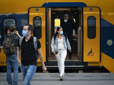 Meer treinen, maar reizigers lijken het nog even aan te kijken en thuis te werken