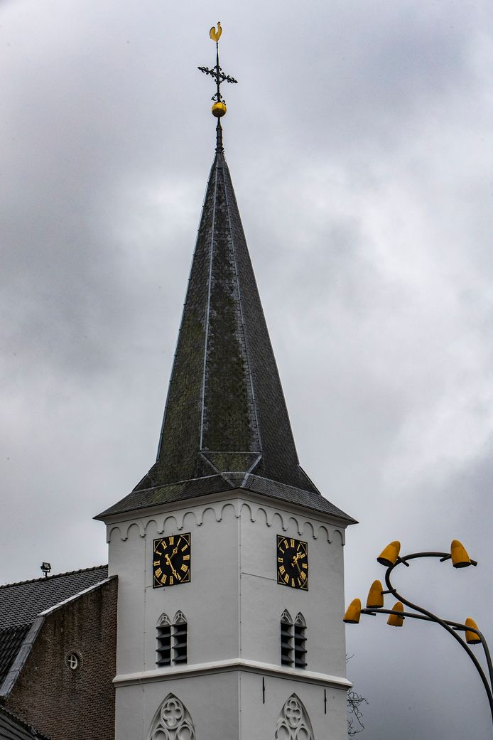 De Hervormde Dorpskerk in Holten.