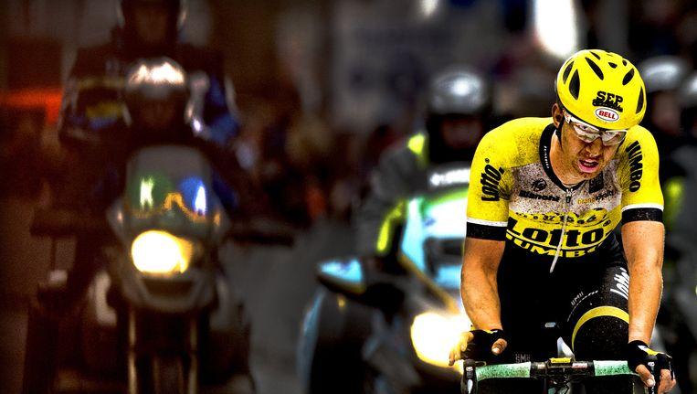 Zondag 29 maart. Sep Vanmarcke komt doorweekt en kapot over de finish van Gent-Wevelgem. Beeld -