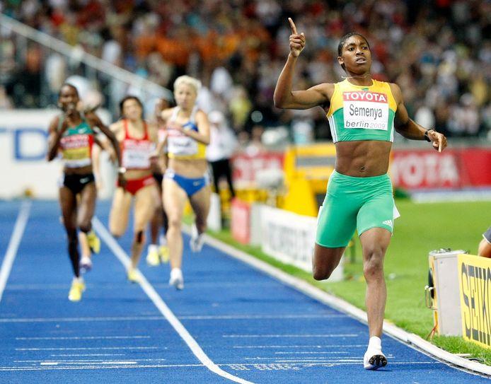 Semenya snelt naar goud op het WK 2009 in Berlijn.