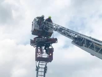 Ladderwagen loopt vast tijdens evacuatie: GRIMP-team ingeschakeld om patiënt te evacueren