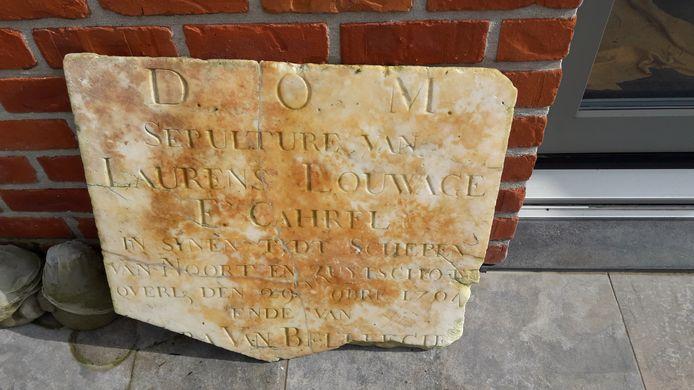 De steen die landbouwer Luc Sampers vond.