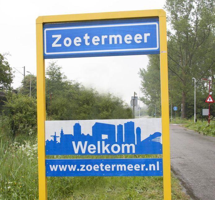 Skyline op het welkomstbord Zoetermeer, ter illustratie.