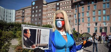 Coronapatiënt Berlusconi sterkt alweer aan: 'Ik vecht hard tegen deze helse ziekte'