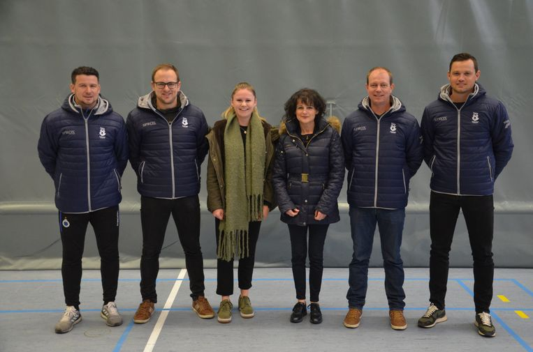 Het Savafoot-team: Andy Nachtergaele, Sam Delaere, Justien Faelens, Sabine De Vos, Cedric Vlaeminck en Roeland Sucaet.