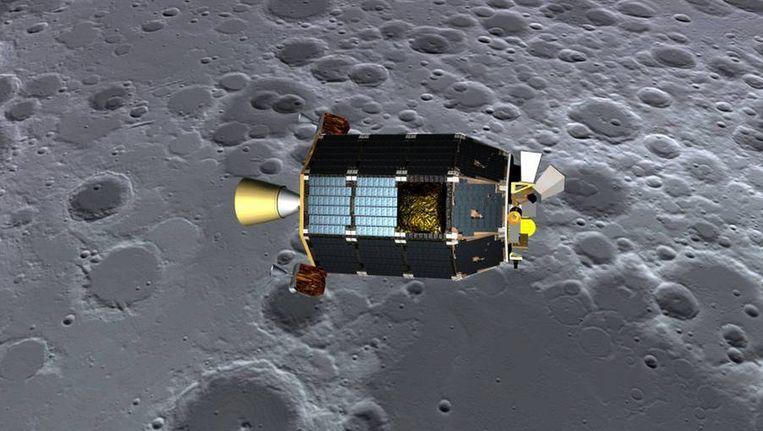 Een fotomontage van de Ladee in zijn baan om de maan. Beeld REUTERS