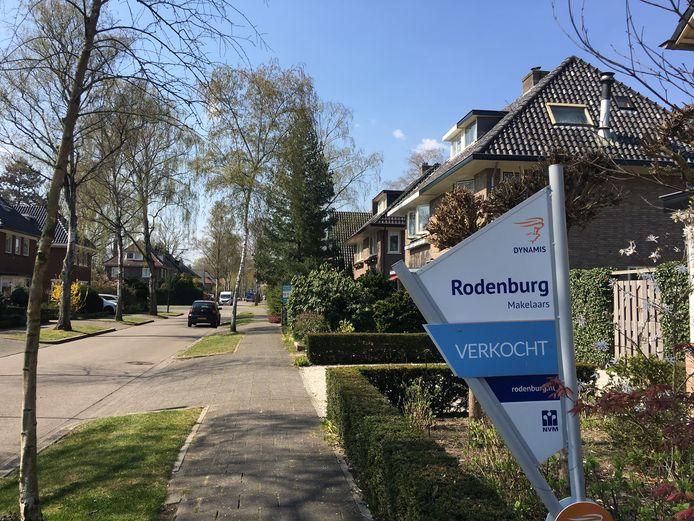 Vrijstaande woningen doen het momenteel heel goed in de NVM-regio Apeldoorn en Epe. Op de foto de Gunninglaan in Apeldoorn.