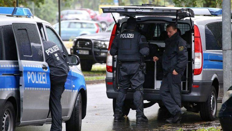 Politieagenten reageerden op een dreiging in Chemnitz Beeld EPA