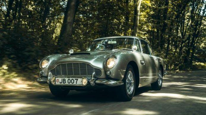 De Aston Martin van James Bond ging niet over de toonbank.