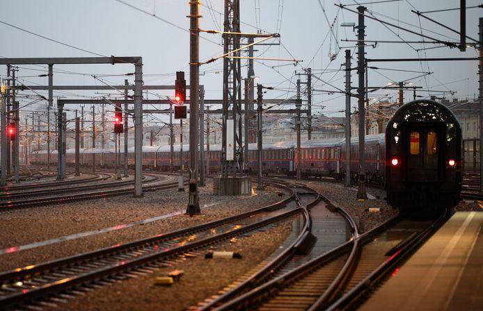 De Nightjet in Wenen, op weg naar Amsterdam, via onder meer Arnhem.