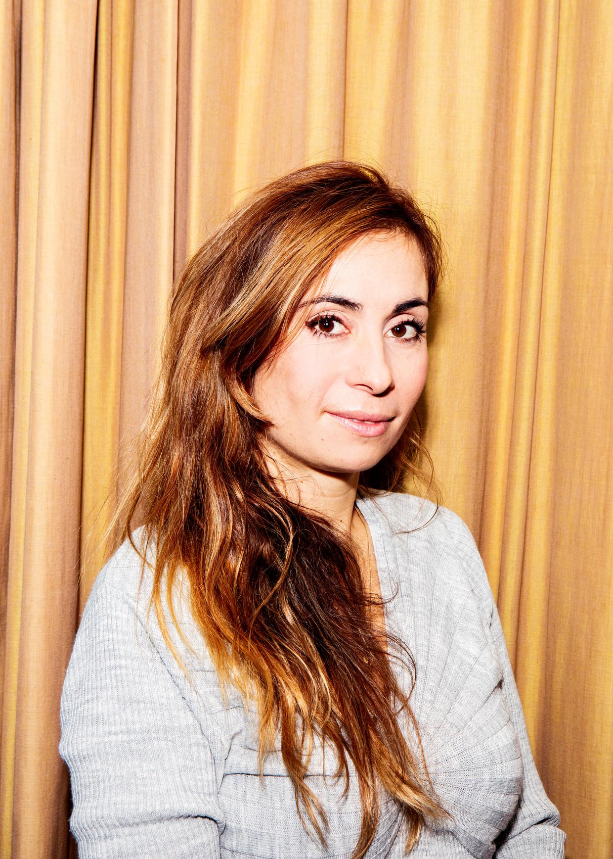 Yula Altchouler, programmamaker en researcher voor radio en tv. Amsterdam, 28/11/2020. Beeld Hilde Harshagen