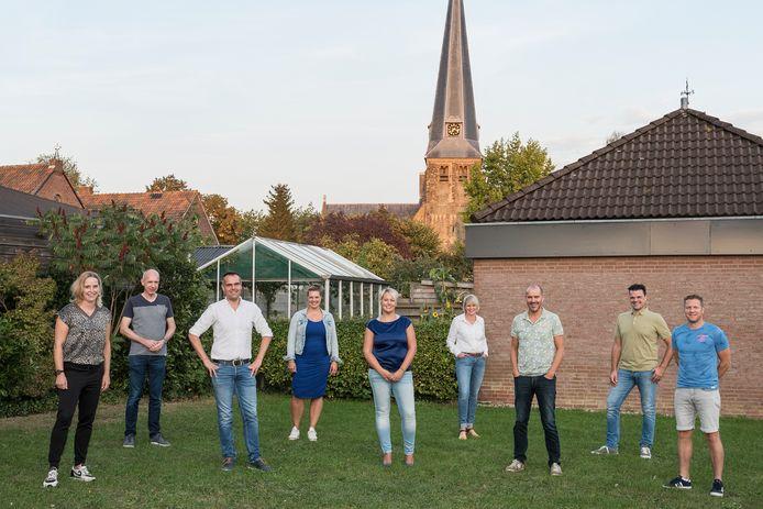 De negen nieuwe bestuursleden van de dorpsraad Groessen werden woensdagavond voor de eerste keer gepresenteerd.