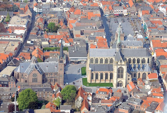 Luchtfoto van de binnenstad van Goes.